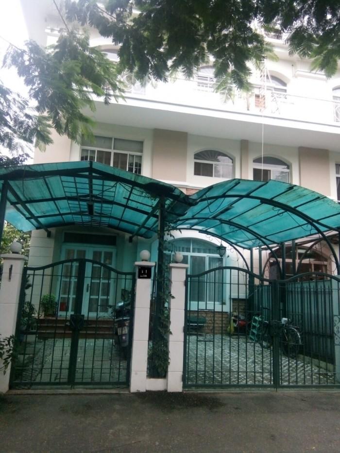 biệt thự xong lập MỸ GIA , Phú Mỹ Hưng Quận 7 cần bán gấp, 220m2