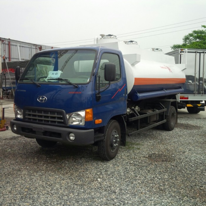 Xe chở xăng dầu Hyundai 9 khối