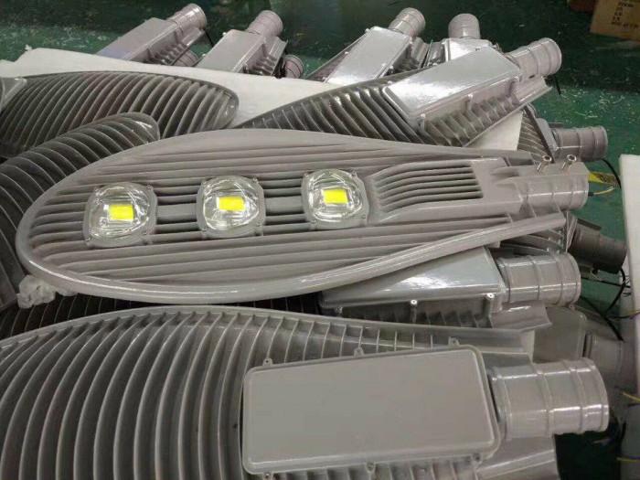 Hệ thống đèn LED chiếu sáng công cộng, xưởng sản xuất đèn LED - Mayor Wolf3