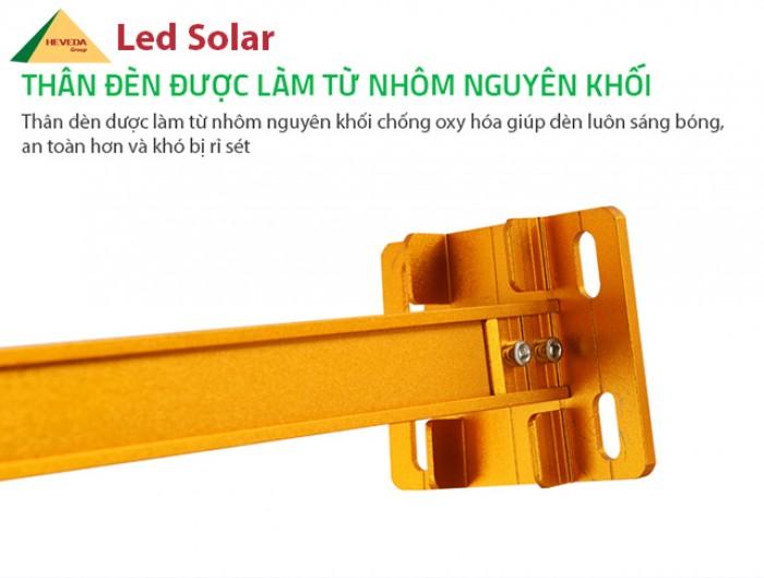 Đèn cảm ứng năng lượng mặt trời - sang trọng, đẳng cấp3