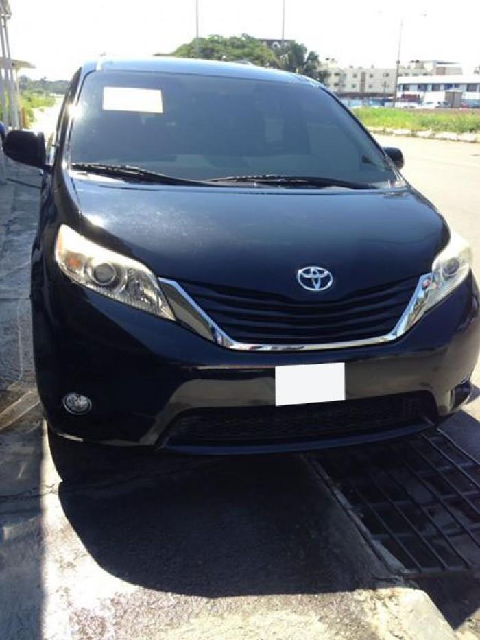 Toyota Sienna sản xuất năm 2011 Số tự động Động cơ Xăng