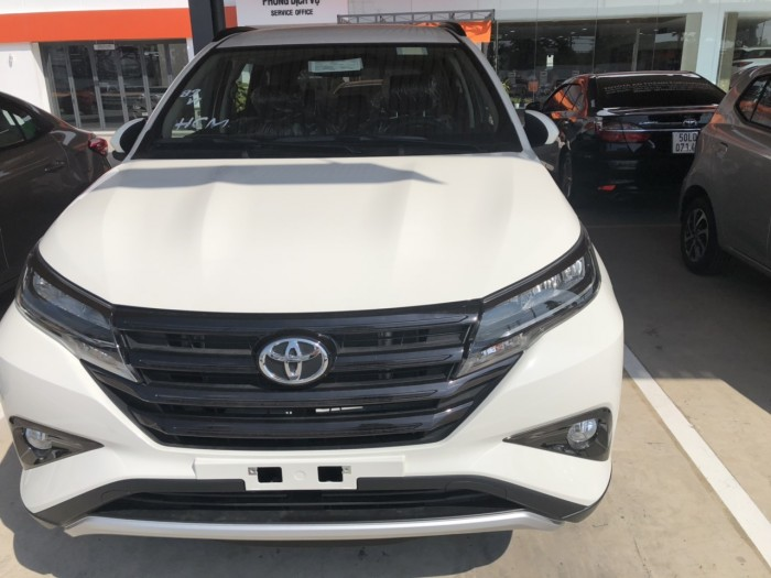 Toyota rush 1.5s at nhập khẩu màu trắng 4