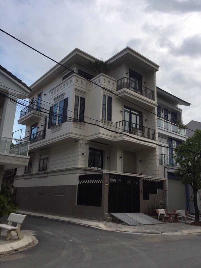 Bán nhà góc 2 mặt tiền đẹp mới xây phường TÂN QUY ĐÔNG, Quận  7, TP.HCM.