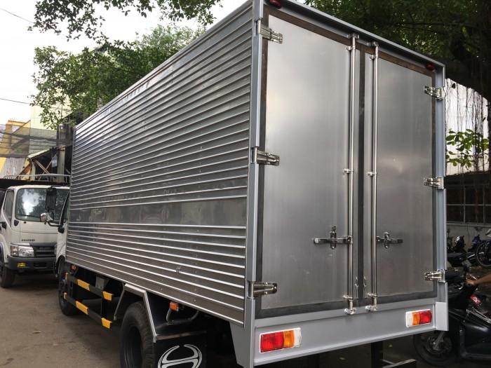 Xe tải Hino 5t thùng kín nhập khẩu, xe tải hino 5t thùng kín inox, xe tải thùng kín hino