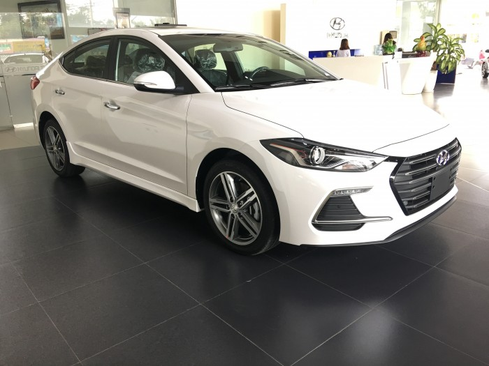 Hyundai Elantra Sport 1.6 Turbo,Giao Xe Hồ Sơ Ngay chỉ với 200 triệu tại Hyundai Bình Dương..