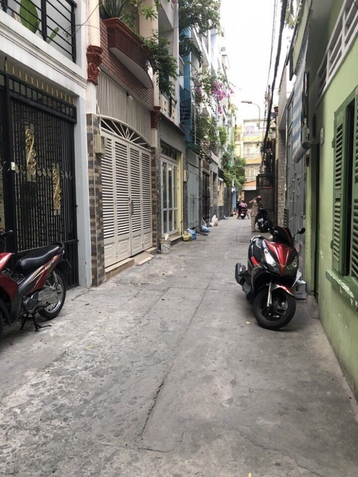 Hẻm OTo Thành Thái, P12, Q10