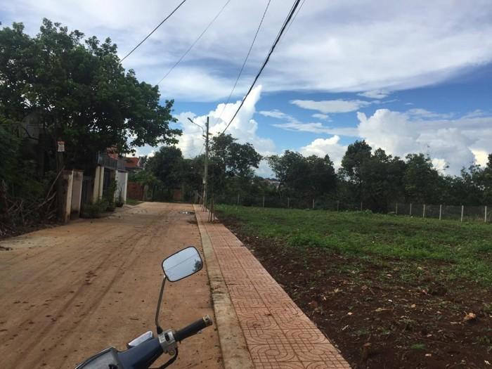 Đất thổ cư ngã 4 Mai Thị Lưu giao đường 19 tháng 5