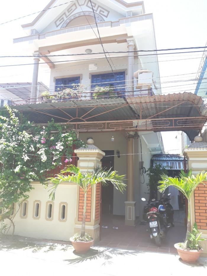 Bán nhà ngay trung tâm Thành phố Huế giá cả thương lượng