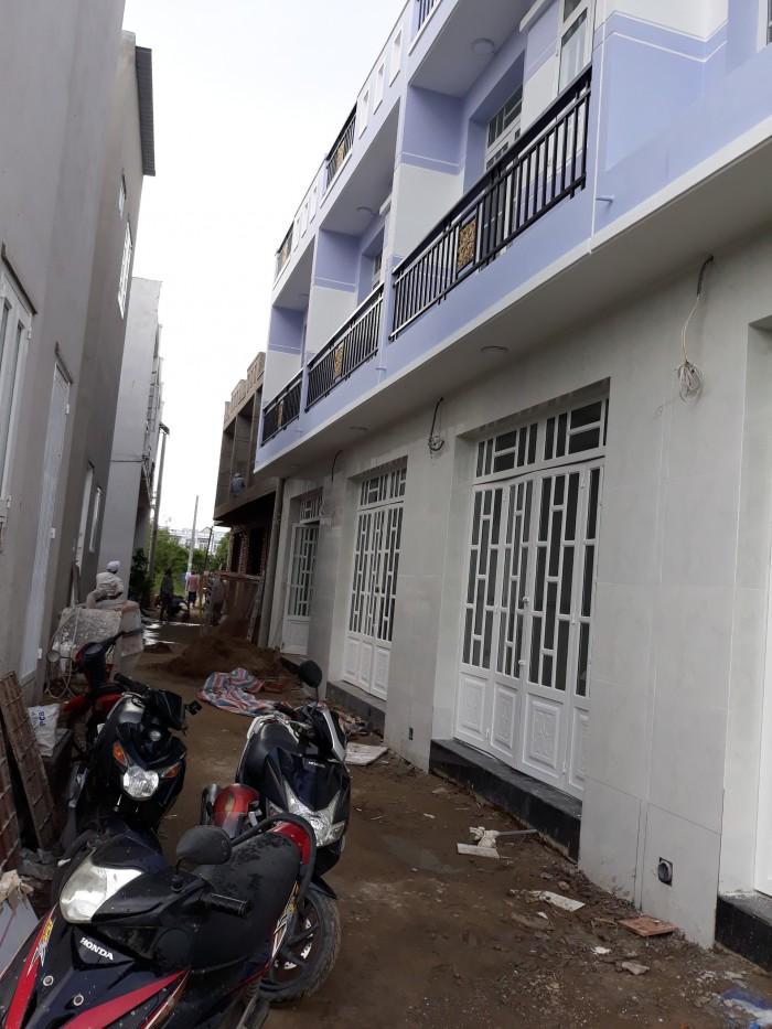 Cần bán gấp 2 căn nhà mới xây trệt, lầu, 2 PN Tân Kim, thị trấn Cần Giuộc. Long An