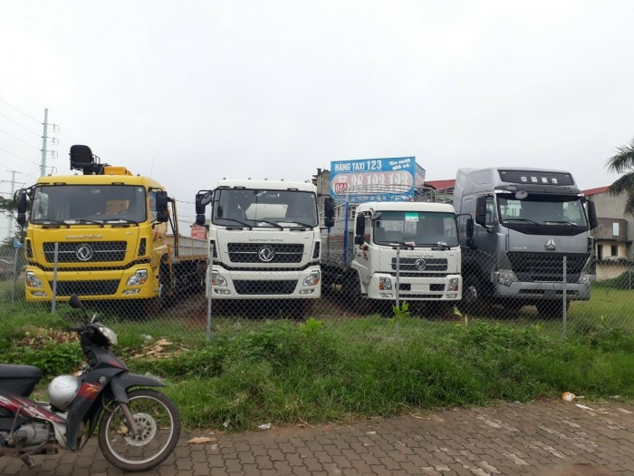 Tải thùng Dongfeng 4 chân YC310 và 2 chân B170, số lượng có hạn