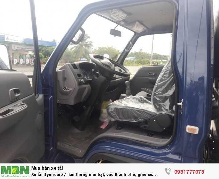 Xe tải Hyundai 2,4 tấn thùng mui bạt, vào thành phố, giao xe trong vòng 5 ngày