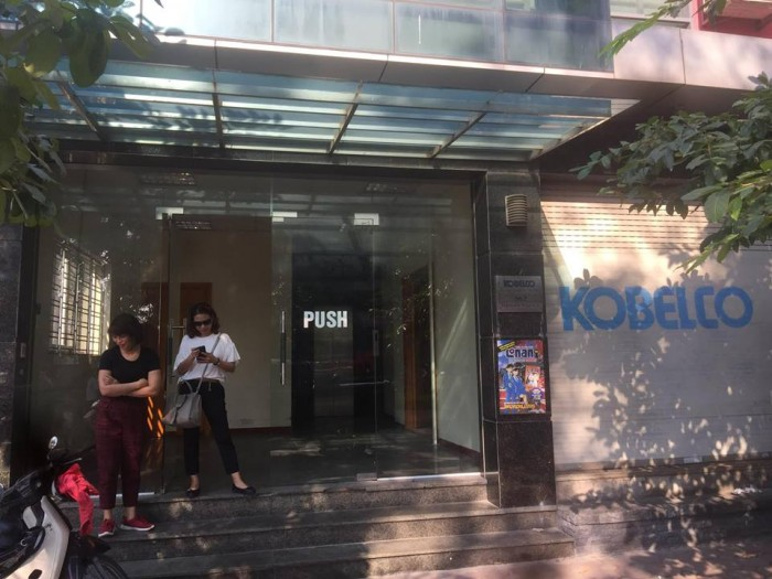 Cho thuê mặt phố Triệu Việt Vương, Hoàn Kiếm 100tr/th,130m2, mt 6.5m, 2tầng