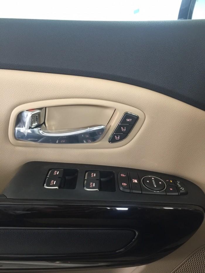 Kia Sedona Platinum D Tặng Camera Hành Trình Nhập Khẩu Trị Giá 19tr