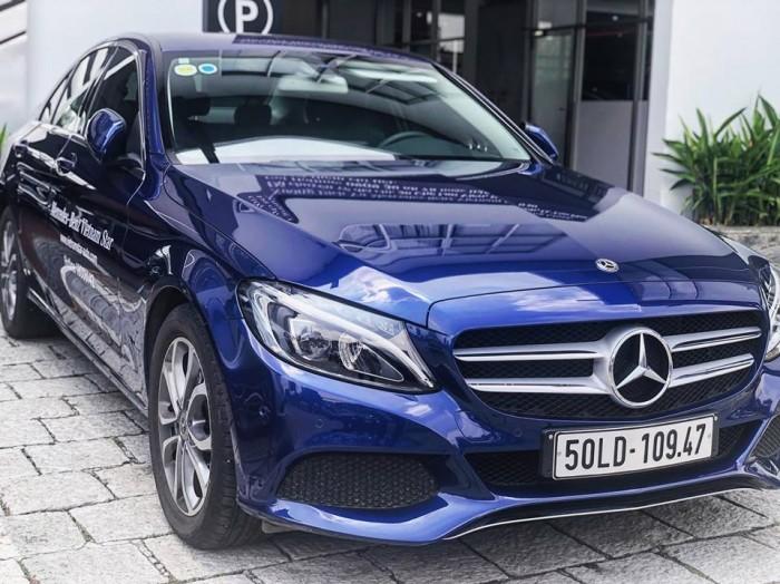 Mercedes C200 lăn bánh 1.000km , xe chính hãng, hổ trợ vay vốn tầm 7trieu / tháng 1