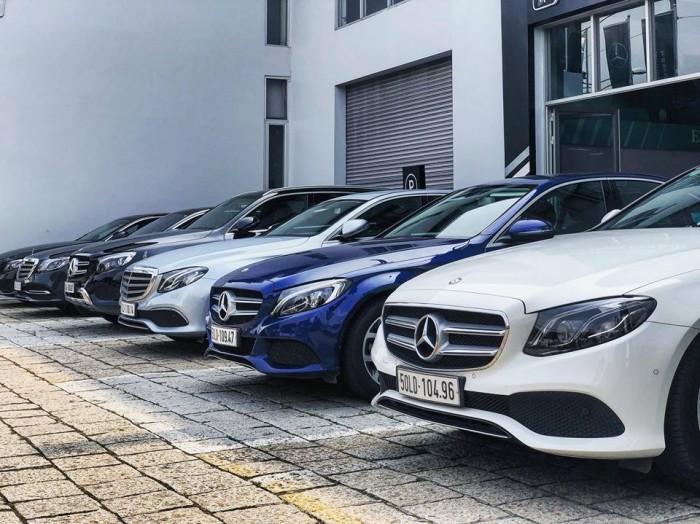 Mercedes C200 lăn bánh 1.000km , xe chính hãng, hổ trợ vay vốn tầm 7trieu / tháng
