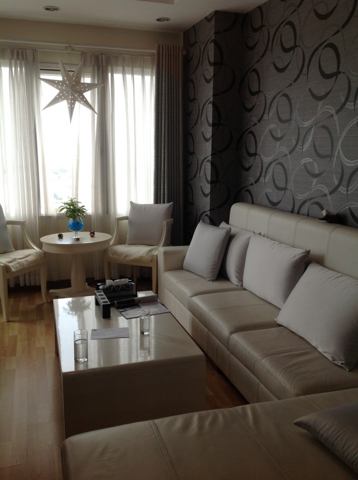 Cần bán gấp căn hộ Vạn Đô Q4, Dt 52m2, 1 phòng ngủ