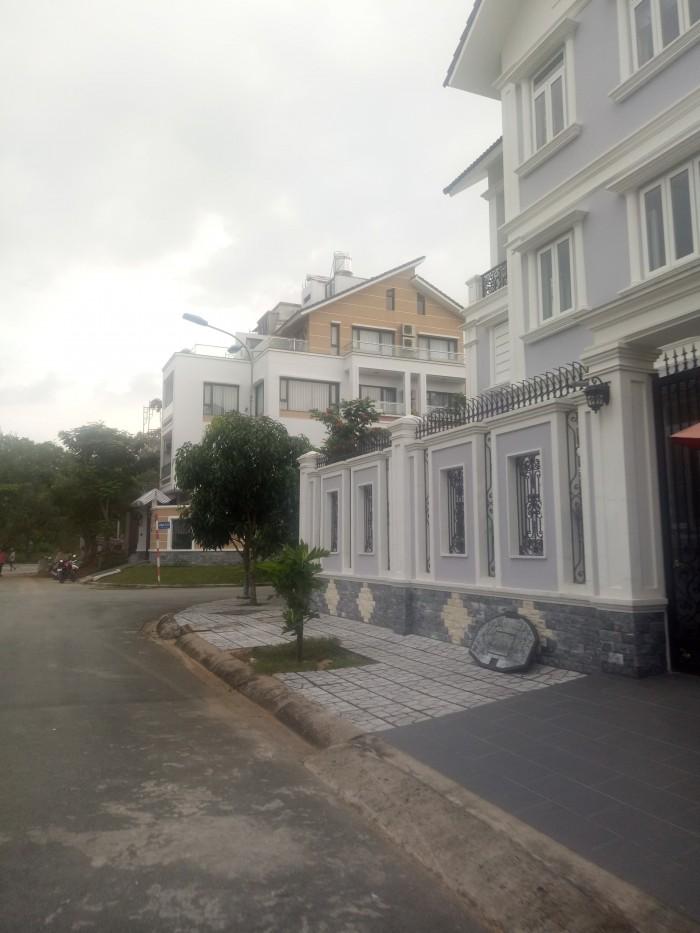 Đất nền Conic Phong Phú, H. Bình Chánh, có lô này giá 33.5 triệu/m2, 126m2, SHR