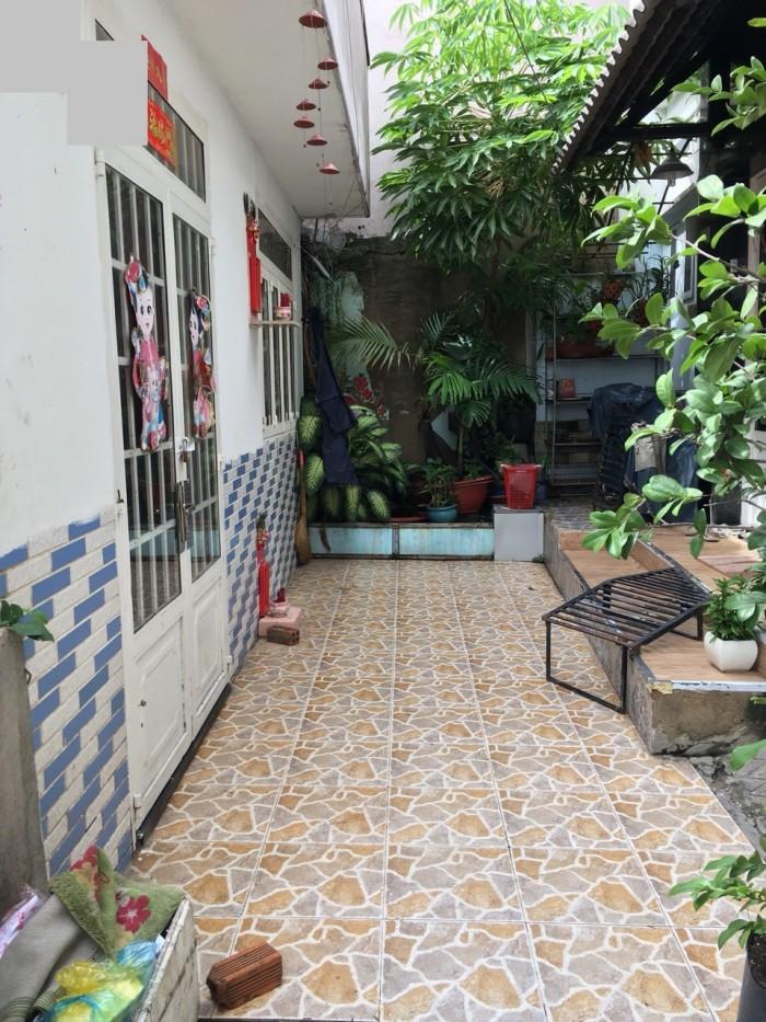 Bán nhà hẻm đường Lý Chiêu Hoàng, Q.6, DT 5.5m x 6m, 2 tầng (TL)