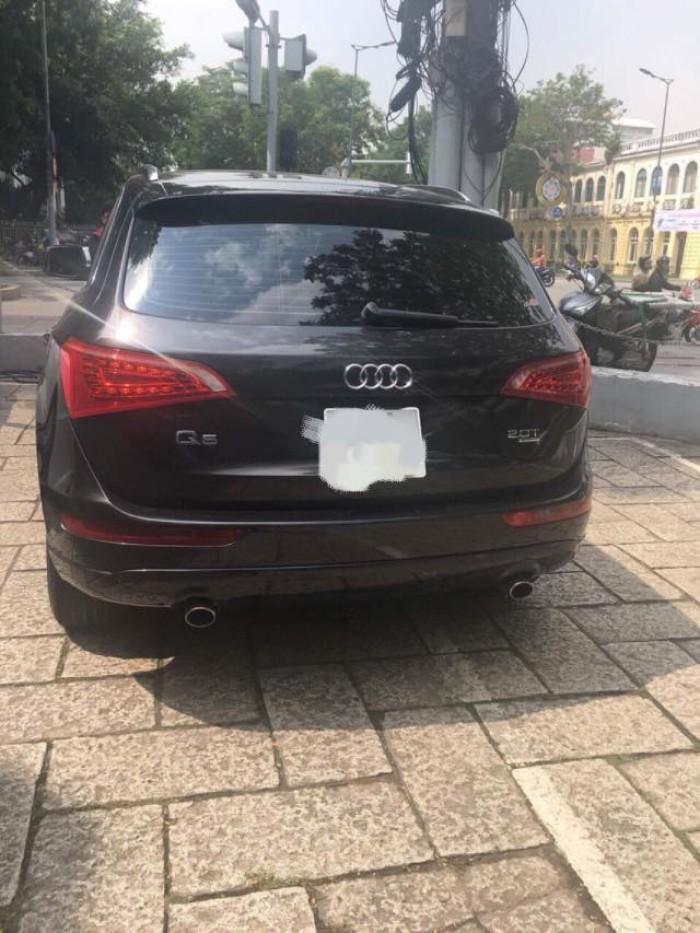Cần bán gấp Audi Q5, đời 2011,số tự động,màu đen bóng