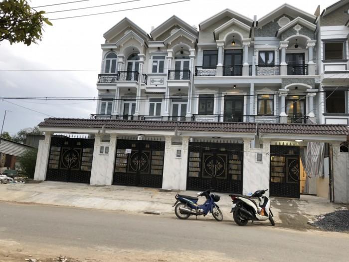 Bán nhà đường Nguyễn Thị Hương, Nhà Bè, Tp.HCM. DT 204m2, 2 lầu sân thượng, 4PN