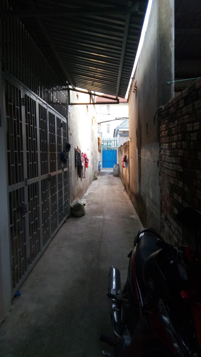 Bán gấp căn nhà gần đường Hoàng Hữu Nam.