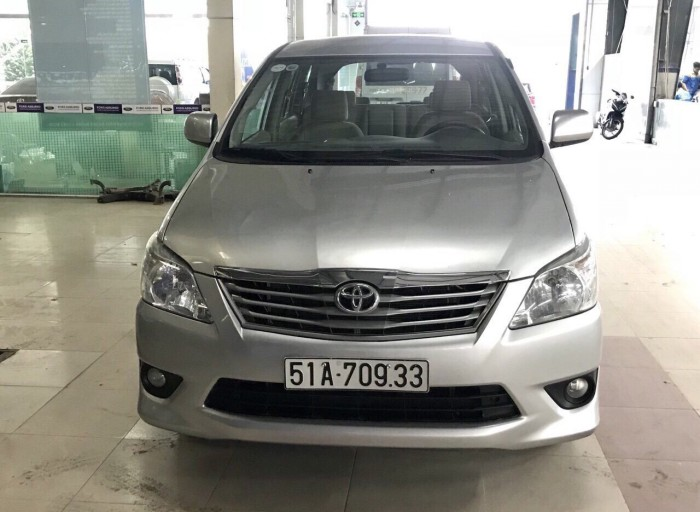 Bán Toyata Innova sx 2013 số tự động màu bạc 3