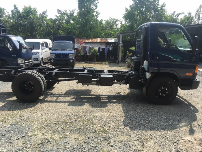 Xe tải Hyundai nhập khẩu Mighty 110S tải trọng 6.9 tấn 8