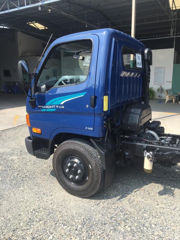 Xe tải Hyundai Mighty 110s 6.2 tấn nhập thùng mui bạt 7