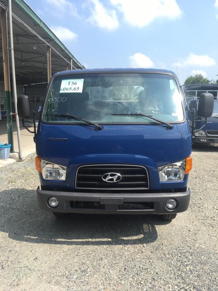 Xe tải Hyundai Mighty 110s 6.2 tấn nhập thùng mui bạt 4