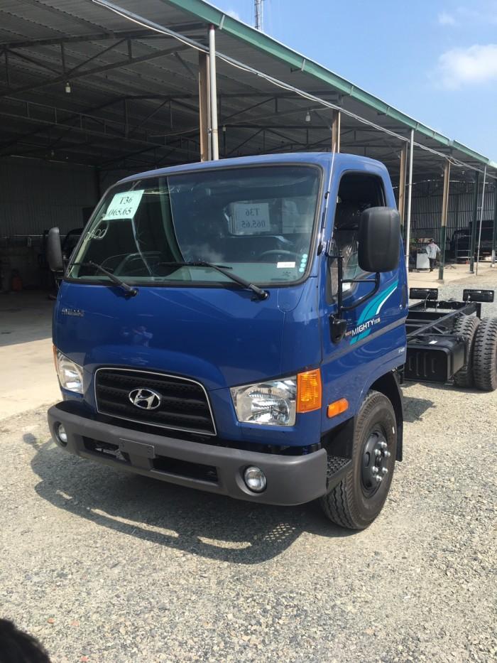 Xe tải Hyundai Mighty 110s 6.2 tấn nhập thùng mui bạt 2