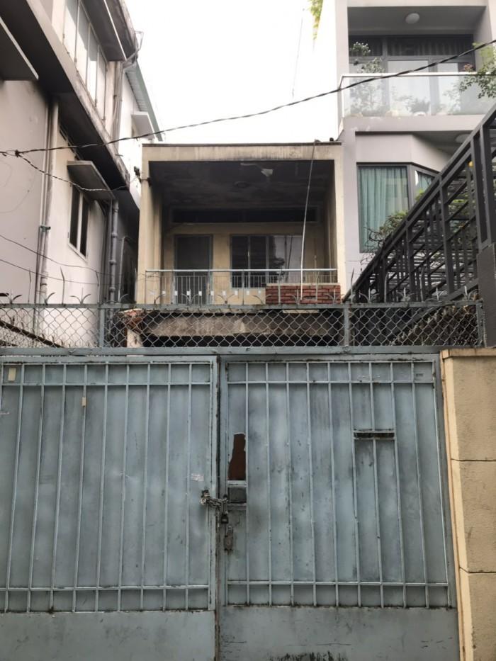 MT nội bộ Trần Hữu Trang. 3.6x26. Nhà cũ.