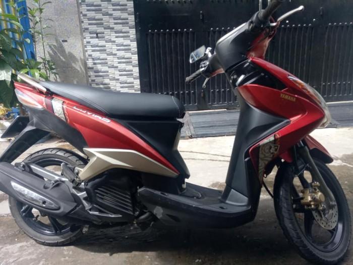 Yamaha Luvias màu đỏ-đen 2k12 mới 95% nguyên zin xe đẹp máy êm chạy mạnh vọt lợi xăng