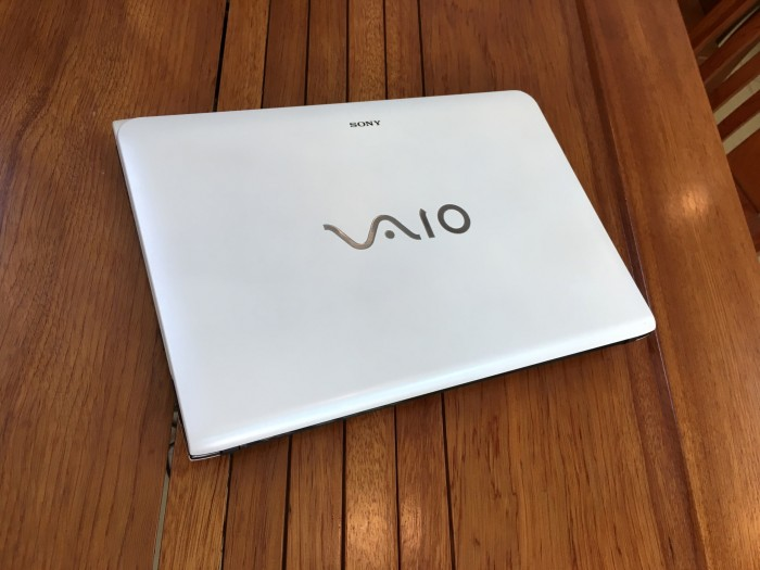 Sony Vaio SVE14 Core i5 3210 Ram 4 Hdd 500 Vga 1GB1