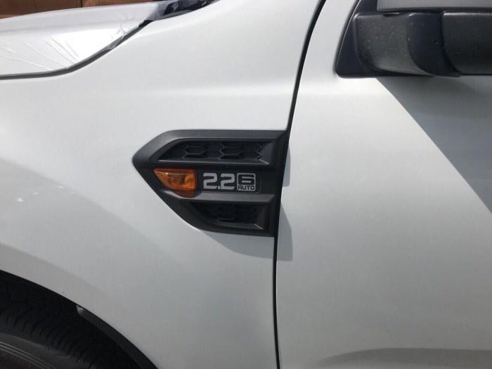Kho xe Ranger XLS giao xe toàn quốc hỗ trợ 90% 5