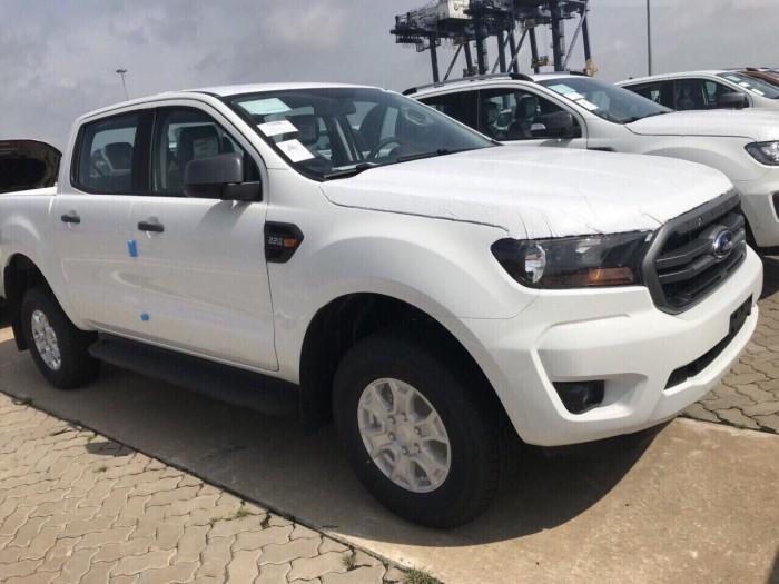 Kho xe Ranger XLS giao xe toàn quốc hỗ trợ 90% 4