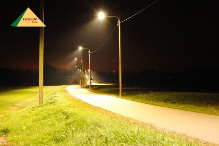 Đèn LED đường phố cho khu dân cư luôn sáng như ban ngày2