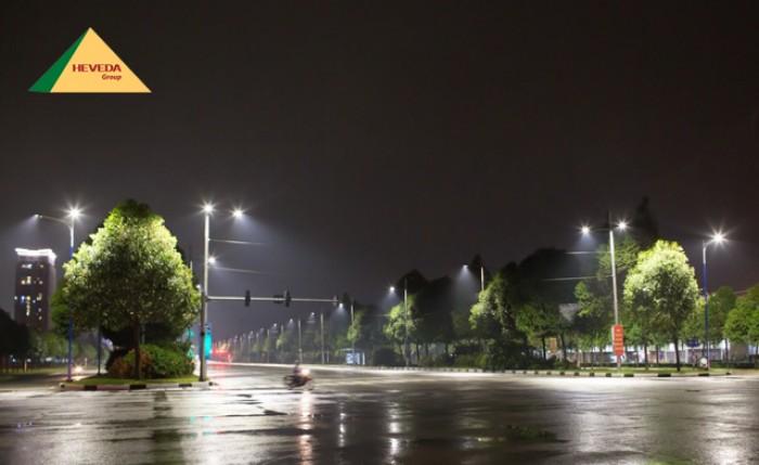Đèn LED đường phố cho khu dân cư luôn sáng như ban ngày0
