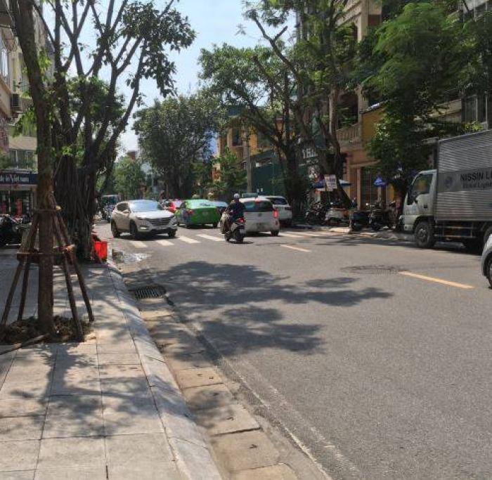 Bán Nhà Mặt Phố Nguyễn Du 54M2 Kinh Doanh