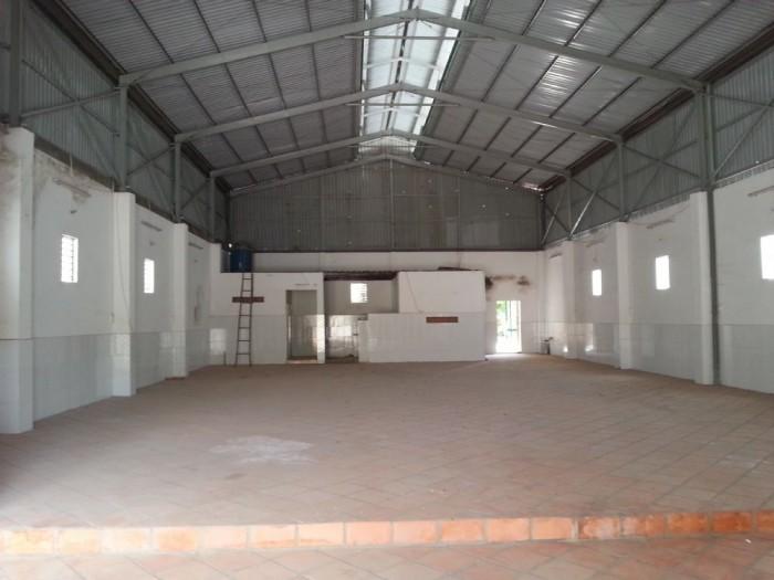 Đất chủ nhà dựng xưởng, 236m2 mặt tiền 12m, có 3 pha, nước.