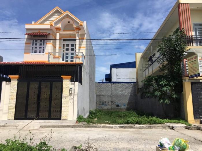 Bán lô đất Cần Đước, mặt tiền đường, diện tích 5×20 m2, giá 450 triệu.
