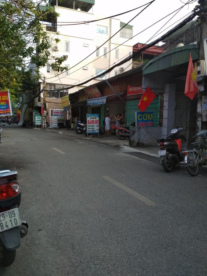 Bán đất ô tô đỗ cửa khu tập thể quân đội phố Ô Cách 48m.