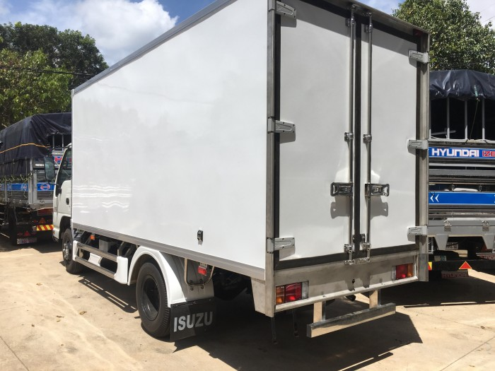 Xe Isuzu 1,9 tấn thùng kín giá rẻ