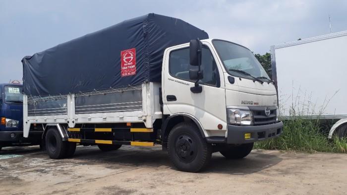 Giá xe tải Hino 3.5 tấn thùng mui bạt, trả trước 100 triệu, giao luôn xe