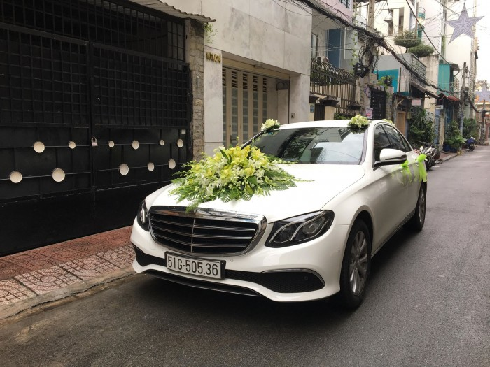 Chuyên cho thuê xe hoa, xe rước dâu Mercedes BMW Camry giá tốt xe đẹp