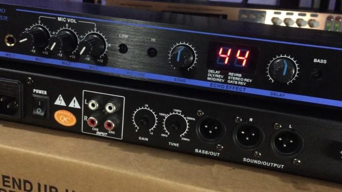 Vang số Yamaha DSP-1002