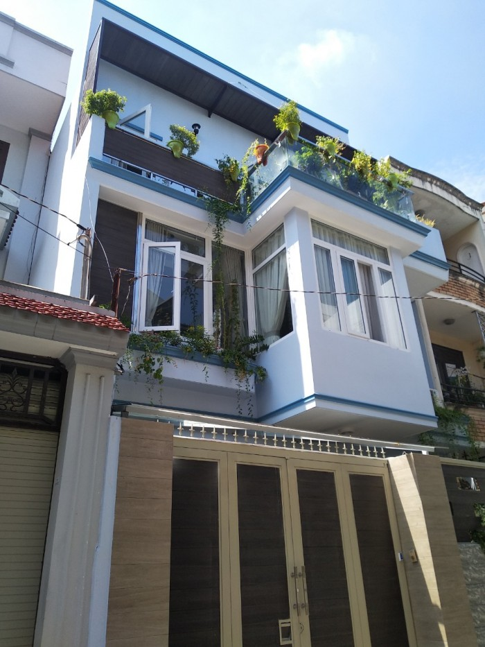 Nhà bán HXH Đào Duy Anh, DT 7.5x15m, vuông vức, 3 tầng, giá còn TL