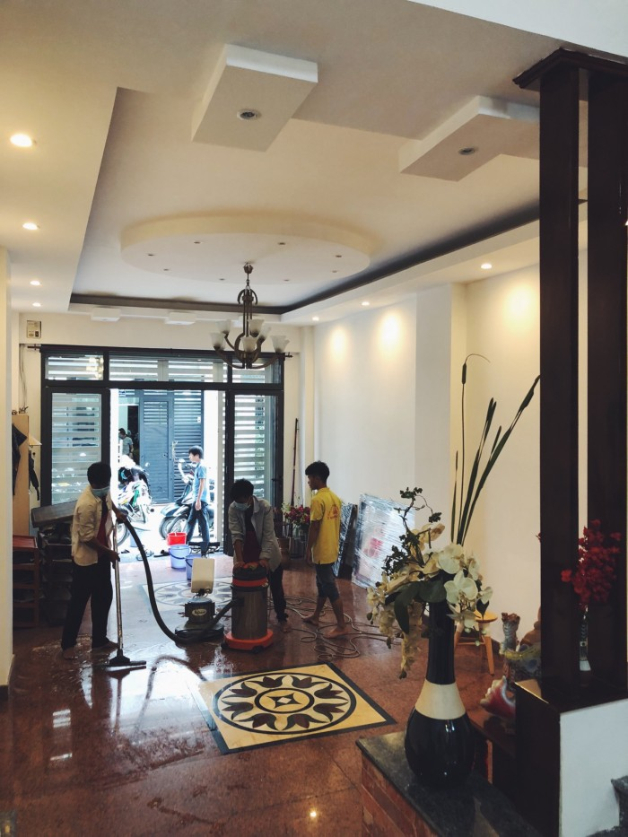 Nhà quá đẹp giá tốt HXH Nguyễn Trọng Tuyển, cách Nguyễn Văn Trỗi 100m. DT 4.75mx18m, 3 lầu