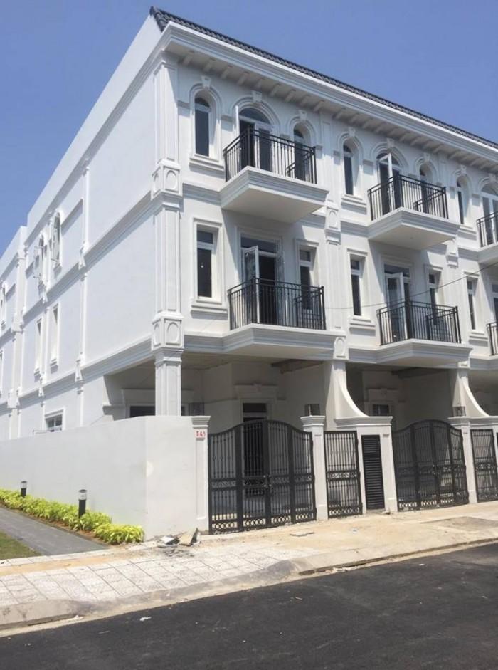 Cần bán dự án nhà phố liền kề phú gia comphound, nằm ngay trục đường chính ông ích khiêm ,trung tâm tp Đà Nẵng