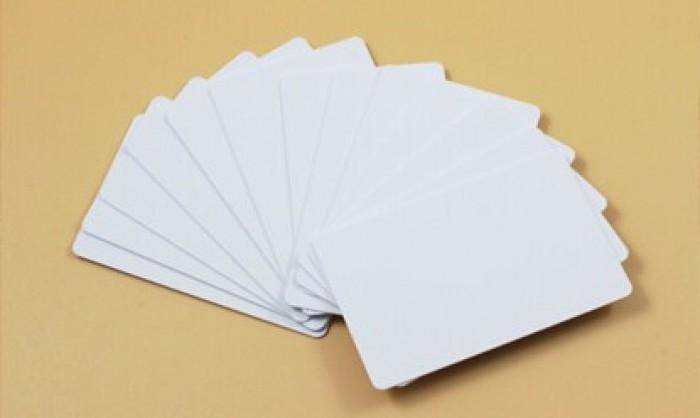 thẻ nhựa trắng0