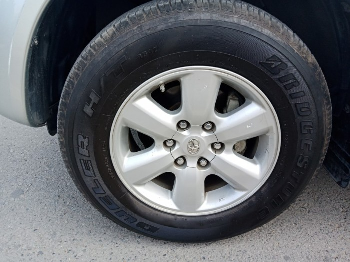 Bán nhanh Toyota Fortuner 2010 màu bạc tự động xe đẹp nguyên bản. 6